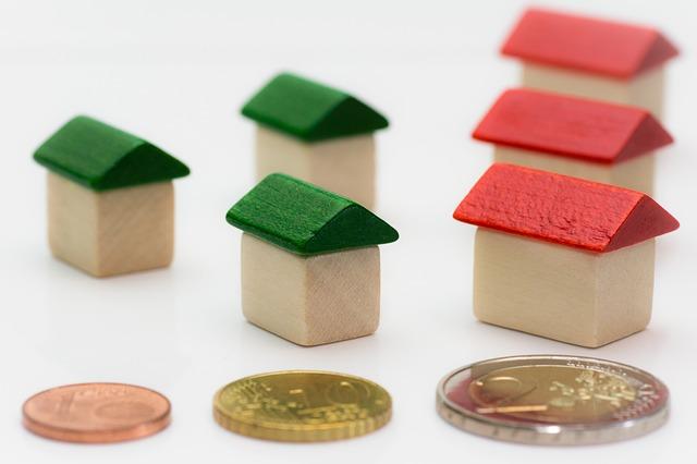 tři mince a šest domků