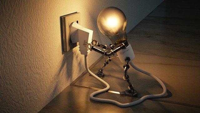 žárovka zapojující se sama do zásuvky